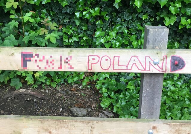 Anti-Polish immigrant graffiti in South London