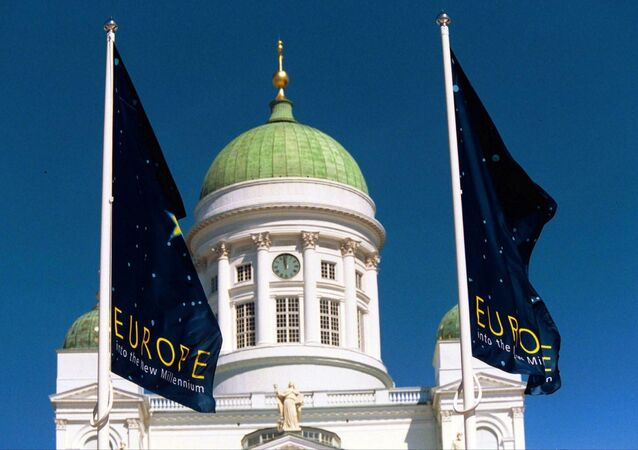 Blue flags carrying the slogan Europe -into the new millenium fly in the front of the Cathedral in Helsinki (file)