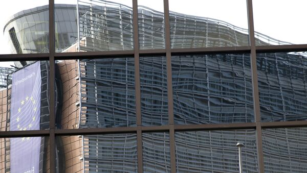 European Union headquarters is reflected in the windows of the EU Council building prior to an EU summit in Brussels on Tuesday, June 28, 2016. - Sputnik International