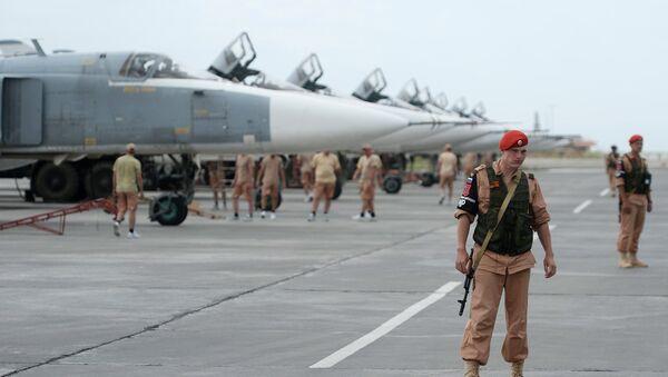 Russian servicemen at the Hmeymim airbase in Syria. - Sputnik International