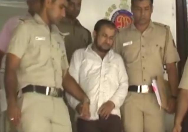 India: Man sends vulgar SMSes to 1,500 women, is arrested in Delhi