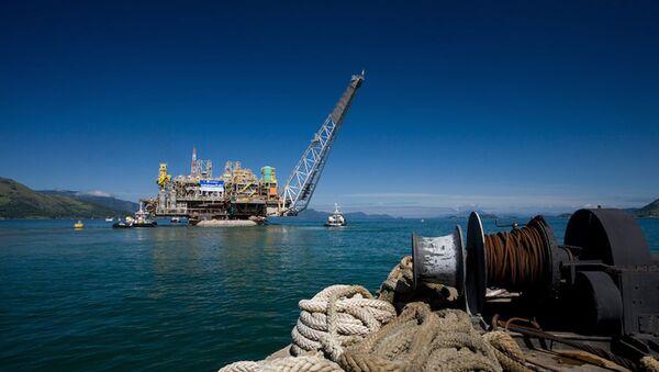 Partial view of the Petrobras P-51 semi-submersible off-shore oil platform construction site at the Brasfelf shipyard in Angra dos Reis (File) - Sputnik International