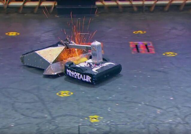 Blacksmith vs. Minotaur - BattleBots