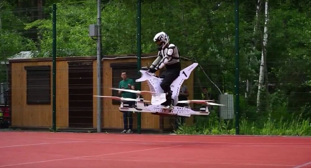 The Russian company Hoversurf has created a flying motorcycle capable of accelerating up to 100 kilometers per hour, according to the newspaper Izvestia