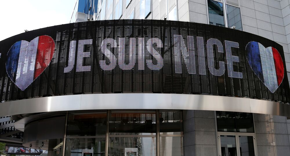 An electronic board displays Je suis Nice in honor of the victims of the Bastille Day truck attack in Nice, outside the European Parliament in Brussels, Belgium, July 15, 2016