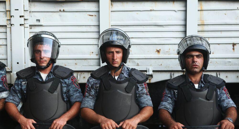Developments around seized police building in Yerevan