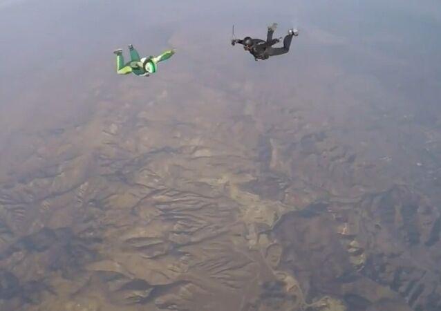 Luke Aikins - Skydiver (Heaven Sent Jump)
