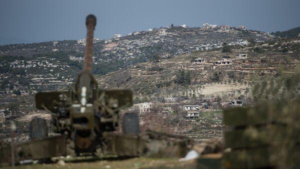 Syrian army artillery soldiers in Idlib province in northwestern Syria - Sputnik International