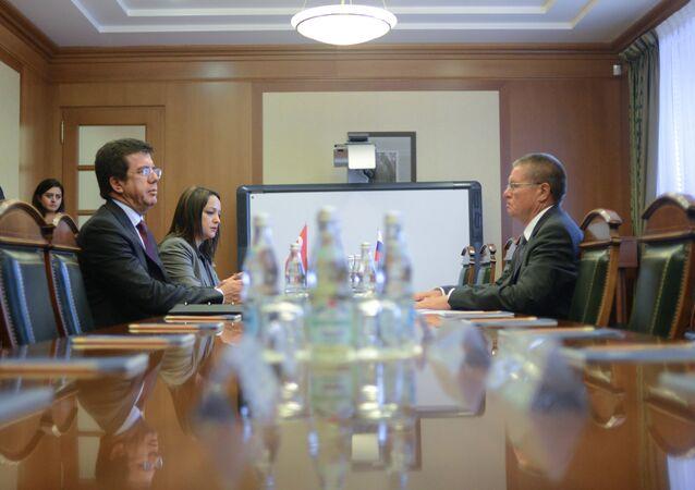 Russian Minister of Economic Development Alexei Ulyukayev meets with Turkish Economy Minister Nihat Zeybekci (File)