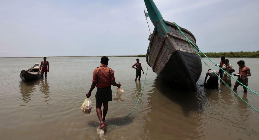 Bangladeshi fishermen (File)