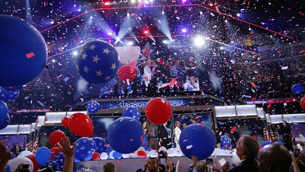 Balloons fall after Democratic presidential nominee Hillary Clinton spoke during the final day of the Democratic National Convention, Thursday, July 28, 2016, in Philadelphia - Sputnik International