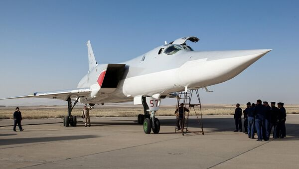 In this photo taken on Aug. 15, 2016, a Russian Tu-22M3 bomber stands on the tarmac at an air base near Hamedan, Iran - Sputnik International