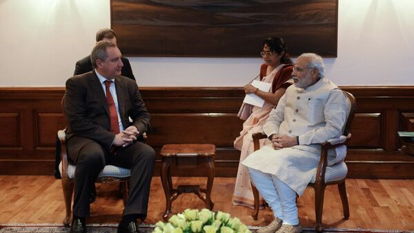 Russian Deputy Prime Minister Dmitry Rogozin, left, and Indian Prime Minister Narendra Modi during talks in New Delhi. File photo - Sputnik International