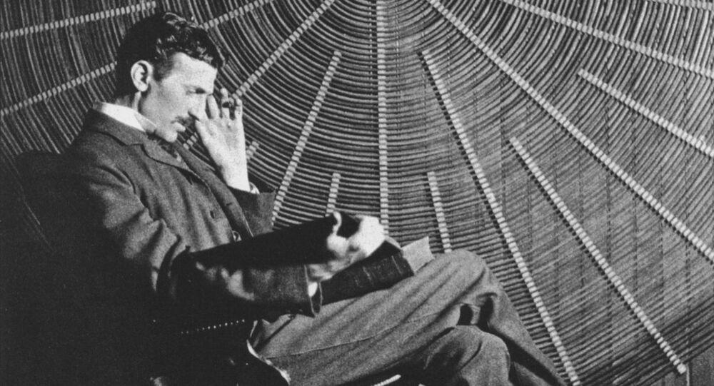 Tesla thinker