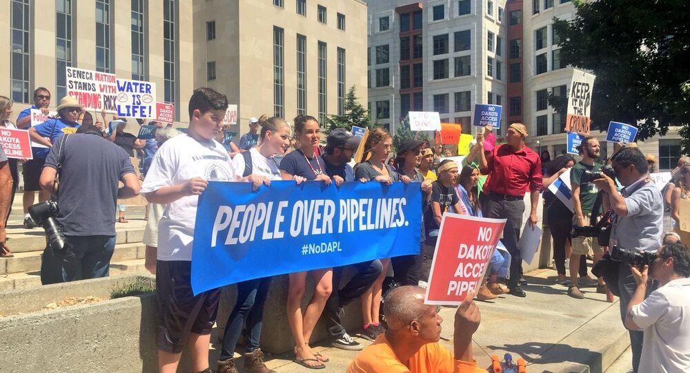 Hundreds Gather in DC to Protest Dakota Access Oil Pipeline
