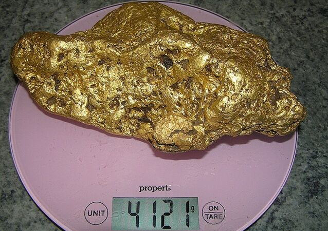 Australian Prospector Strikes Gold: $190,000 Chunk of It