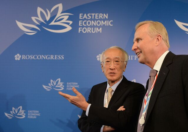 President of Sasakawa Peace Foundation, former executive director of the International Energy Agency (2007-2011) Nobuo Tanaka, left, and Chief Executive Officer of BP Robert Dudley at the Eastern Economic Forum in Vladivostok