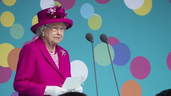 Britain's Queen Elizabeth II makes a speech as she attends the Patron's Lunch on the Mall, an event to mark her official 90th birthday in London on June 12, 2016. - Sputnik International