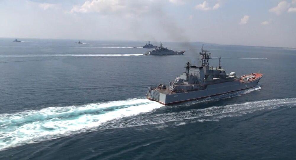 Black Sea Navy Fleet and the Caspian Flotilla took part in Kavkaz-2016' strategic troops exercise