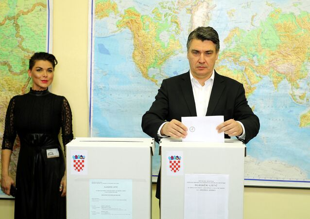Zoran Milanovic, president of Social Democratic Party (SDP), casts his ballot at a polling station during a parliamentary election in Zagreb, Croatia, September 11, 2016.