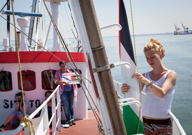 Female flotilla sails to Gaza