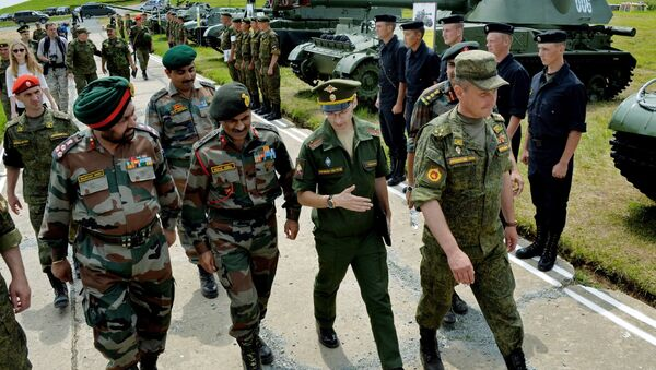 Indian military delegation visits 5th combined arms army to prepare joint Russian-Indian Indra-2016 ground muscle exercises - Sputnik International