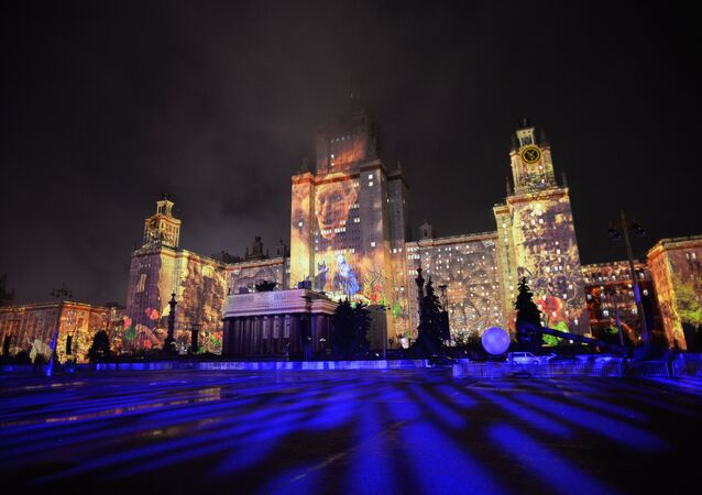 A rehearsal of a multimedia show at the 2016 Circle of Light International Festival on the territory of the Lomonosov Moscow State University
