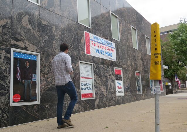 Early Voting Downtown Minneapolis