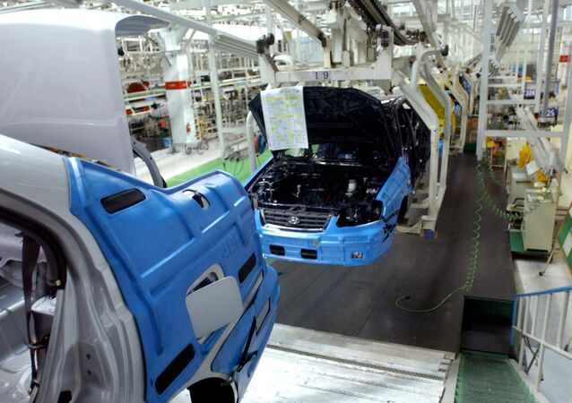 Partially assembled cars at Hyundai motor assembly line in Ulsan, south of Seoul. (File)