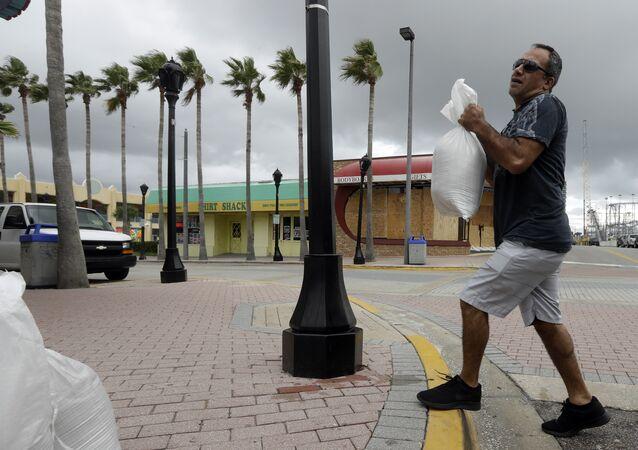 US Prepares for Hurricane Matthew