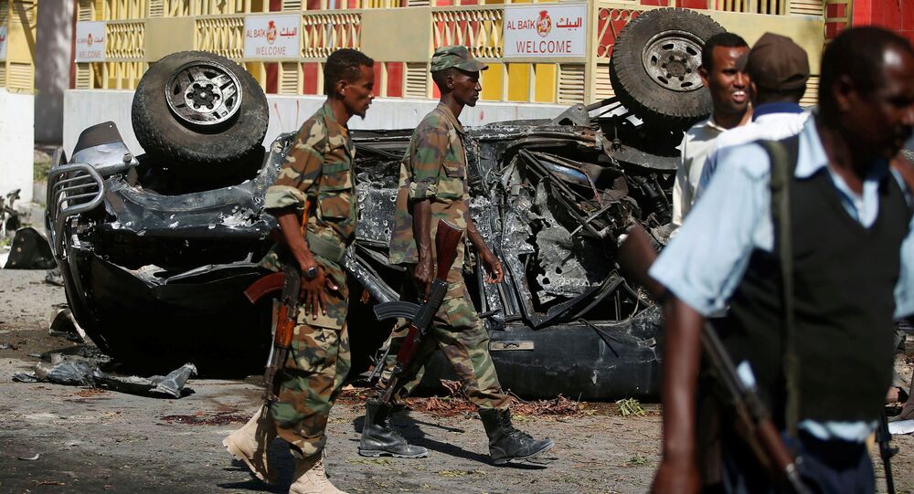 Somali government soldiers secure the scene of an attack on a restaurant by the Somali Islamist group al Shabaab in the capital Mogadishu, Somalia, October 1, 2016.