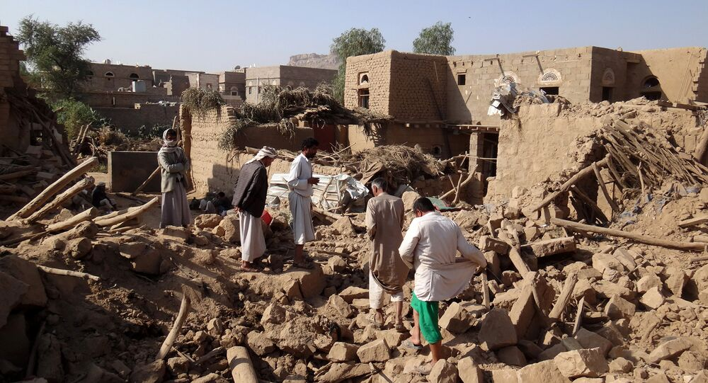 Yemenis search for victims under the rubble of houses the day after they were hit in a Saudi-led coalition air strike on Yemen's rebel-held northwestern Saada province, on September 1, 2016
