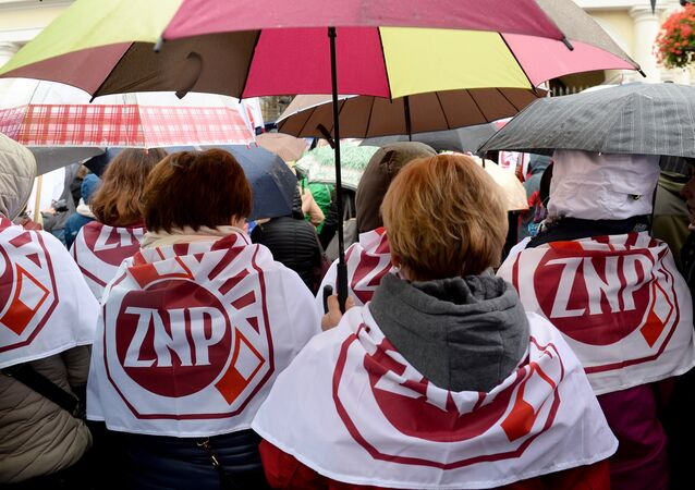 Teachers rally against education reform proposed by Poland's rightwing Law and Justice (PiS) government in Warsaw on October 10, 2016