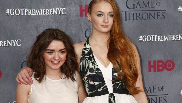 Cast members Maisie Williams and Sophie Turner arrive for the season four premiere of the HBO series Game of Thrones in New York March 18, 2014. - Sputnik International