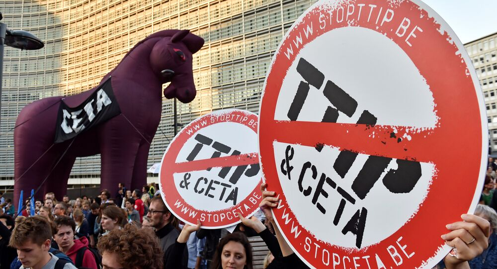 Thousands of people demonstrate against the Transatlantic Trade and Investment Partnership (TTIP) and the EU-Canada Comprehensive Economic and Trade Agreement (CETA) in the centre of Brussels, Belgium September 20, 2016.