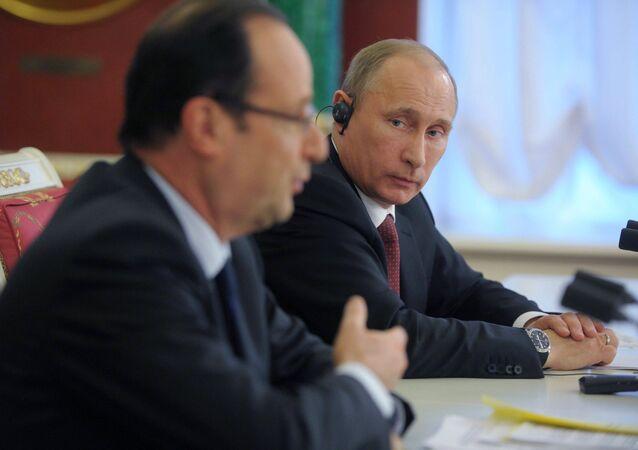 Vladimir Putin meets with Francois Hollande in the Kremlin (File)