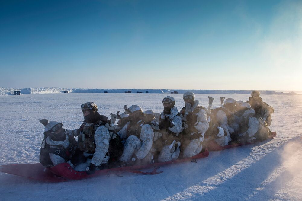 Soldiers of the Chechen Republic' Special Forces units of the Ministry of Internal Affairs (MVD) during the training exercise near the North Pole.