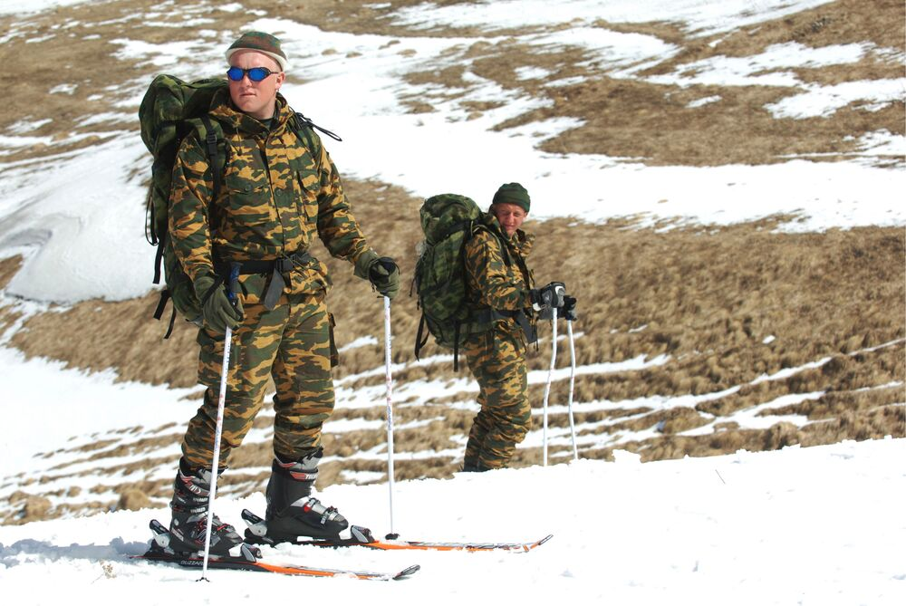 Soldiers of the reconnaissance platoon during ski training in the mountains of Dagestan.