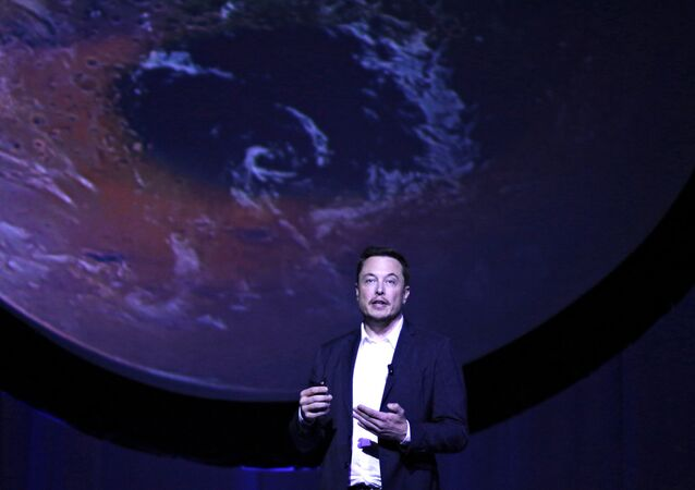 SpaceX CEO Elon Musk unveils his plans to colonize Mars during the International Astronautical Congress in Guadalajara, Mexico, September 27, 2016.