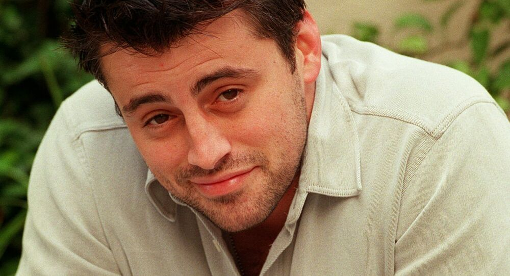 Actor Matt LeBlanc poses for a photo outside the Warner Brothers studio on 24 October 1997 in Burbank, California. LeBlanc is one of the six costars of the hit NBC television series Friends.
