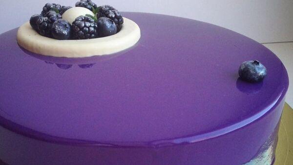Russian Confectioner Makes Mezmerizing Mirror Cakes - Sputnik International