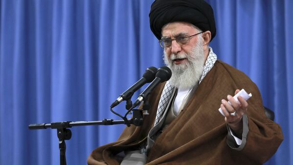 In this picture released by an official website of the office of the Iranian supreme leader, Supreme Leader Ayatollah Ali Khamenei speaks in a meeting with a group of students, in Tehran, Iran, Wednesday, Nov. 2, 2016 - Sputnik International