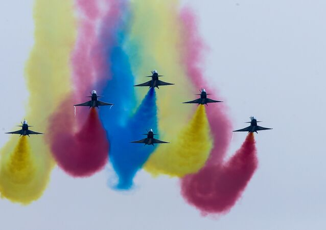 China's J-10 fighter jets perform during an air show, the 11th China International Aviation and Aerospace Exhibition in Zhuhai, Guangdong Province, China November 1, 2016.