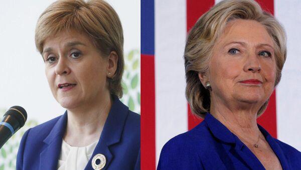 Nicola Sturgeon and Hillary Clinton - Sputnik International