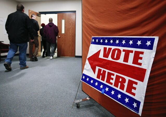More than 5,500 calls from US citizens reporting irregularities at voting stations sites have been received by a national telephone hotline, the Lawyers Committee for Civil Rights Under the Law said in a statement on Tuesday.