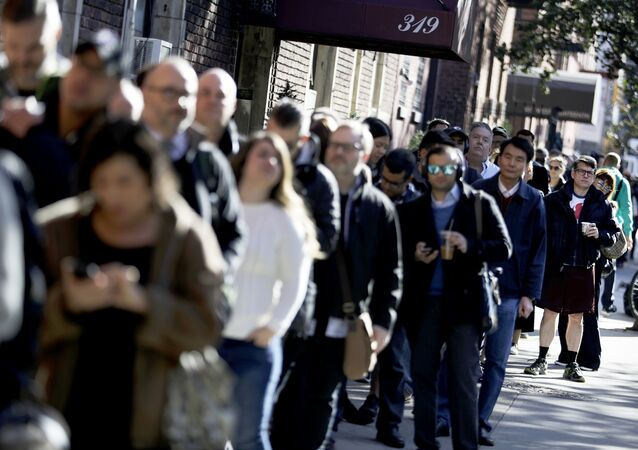 Long Line in New York for 2016 Presidential Election
