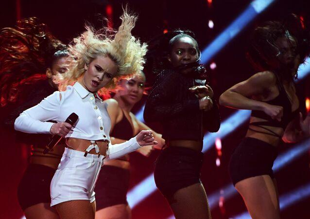 Swedish singer Zara Larsson performs at the MTV Europe Music Awards (EMA) on November 6, 2016 at the Ahoy Rotterdam in Rotterdam