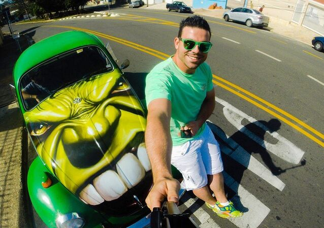 Diego Ribas and his Hulk Beetle