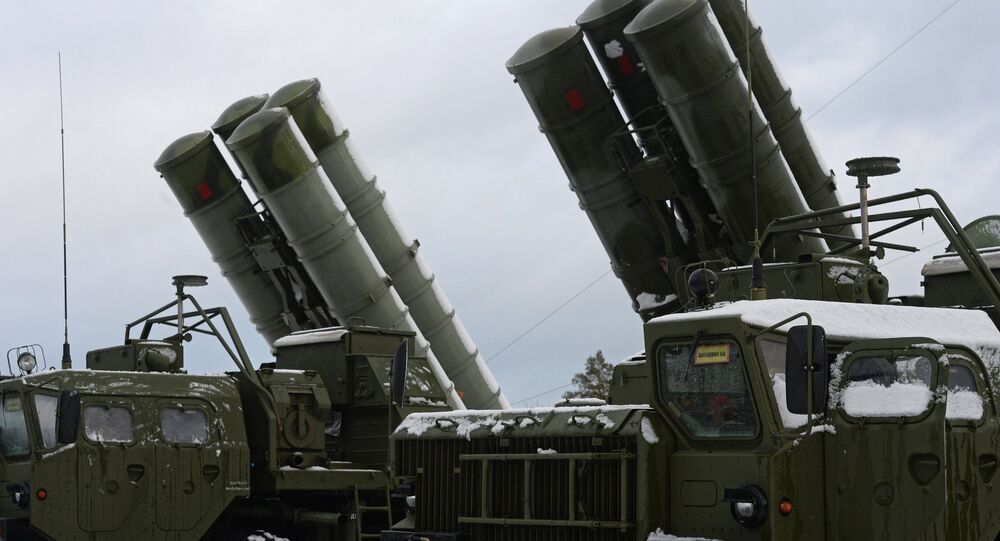 The launchers of the S-400 air defense missile system which entered service at the Russian Aerospace Forces air defense unit in the Moscow Region. (File)