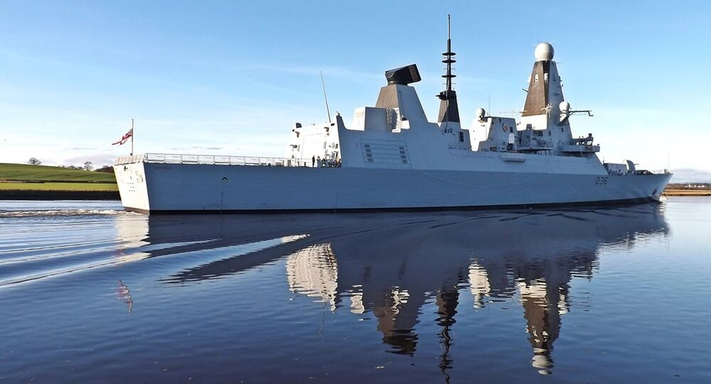 D36 HMS Defender